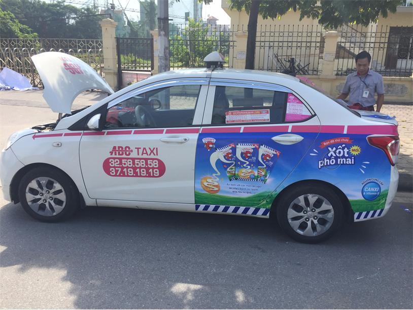 dịch vụ quảng cáo xe taxi