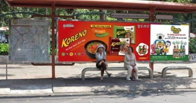 Koreno quảng cáo nhà chờ xe bus
