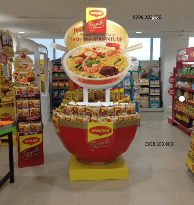 trưng bày hàng đẹp trong siêu thị