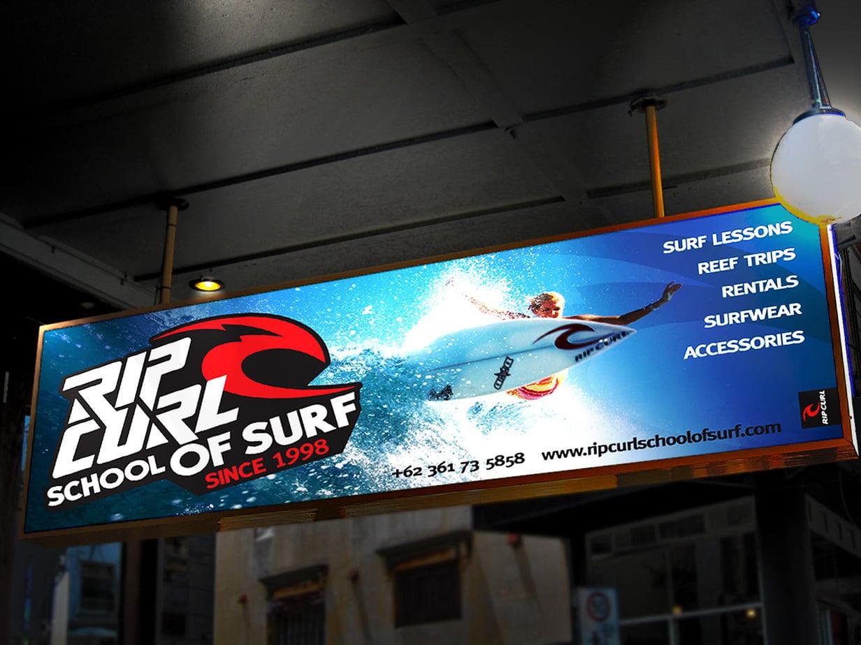 Quảng cáo biển hộp đèn sử dụng bạt Hiflex