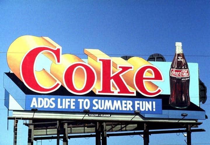 ưu điểm biển quảng cáo ngoài trời