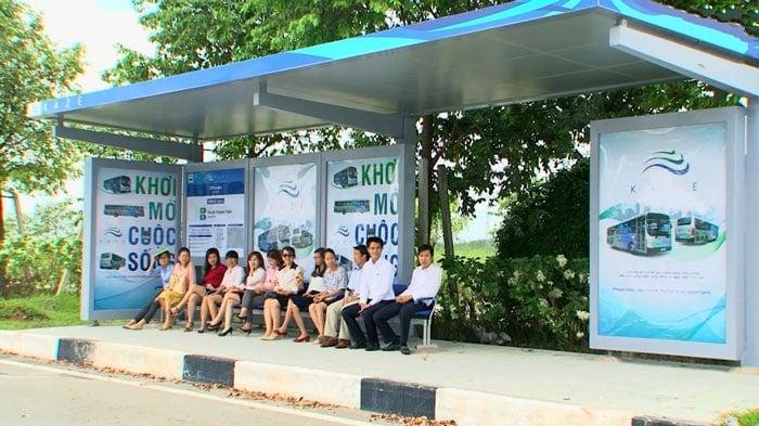 mẫu quảng cáo nhà chờ xe buýt ấn tượng