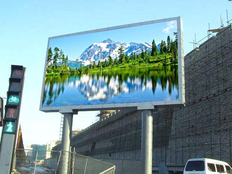 nên quảng cáo màn hình led hay lcd