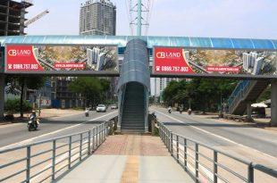 thi công quảng cáo trên càu vượt đi bộ